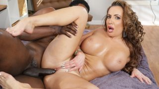 Richelle Oiled Up And Fucked